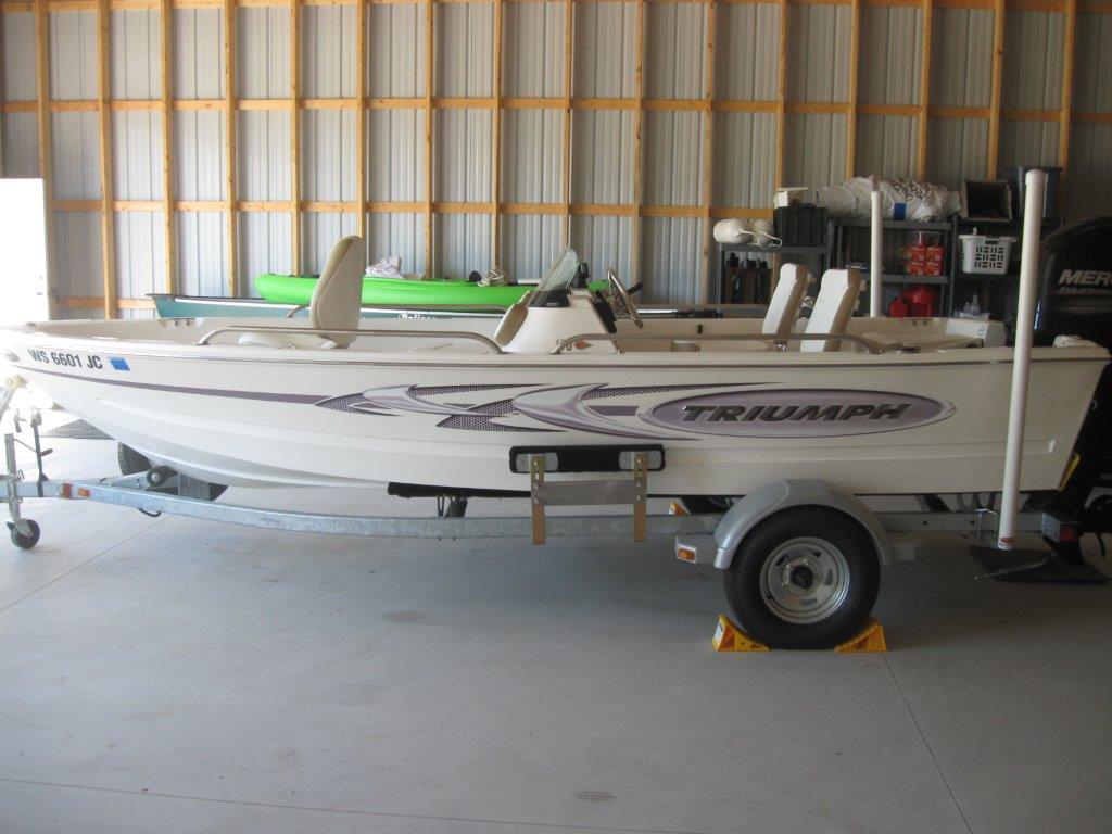 $16,985, 2014 Triumph Boats 170 DC